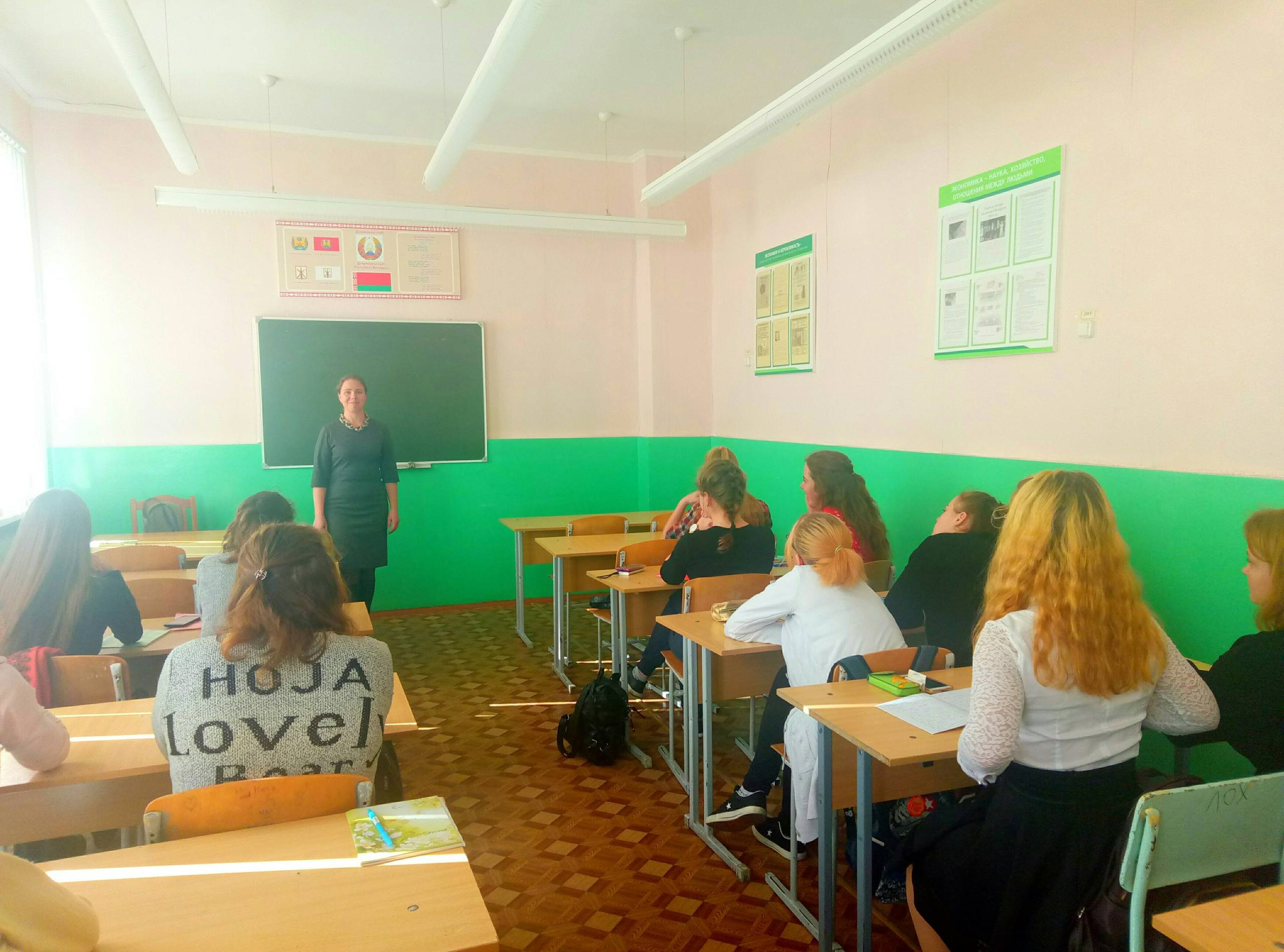 В группе №3 состоялась встреча с методистом ДУХОВНО-ПРОСВЕТИТЕЛЬСКОГО ЦЕНТРА